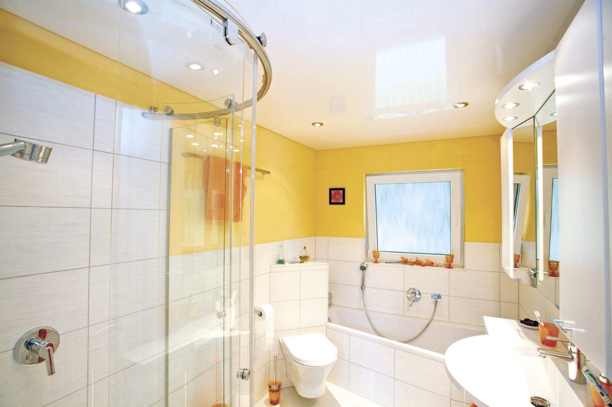 Натяжной потолок в санузел (туалет)